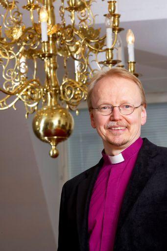 kari mäkinen piispa turun tuomiokapituli