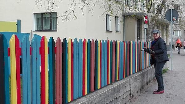 Rita värvib aeda