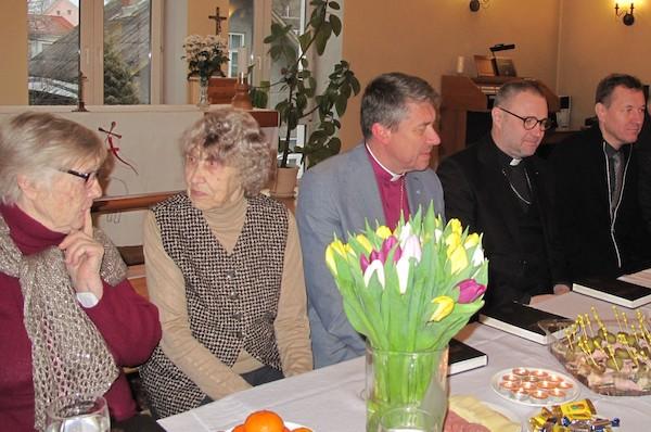 Kogudus sai peapiiskopi visiidist julgustust